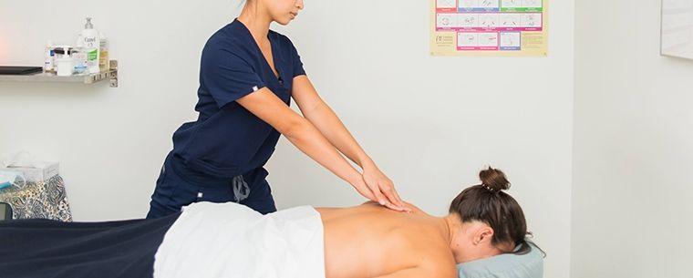toronto registered massage therapist treating patient